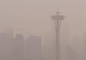 Seattle Spaceneedle in Smog